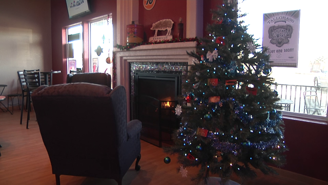 Coffee house in Dickinson sets up a gift card giving tree
