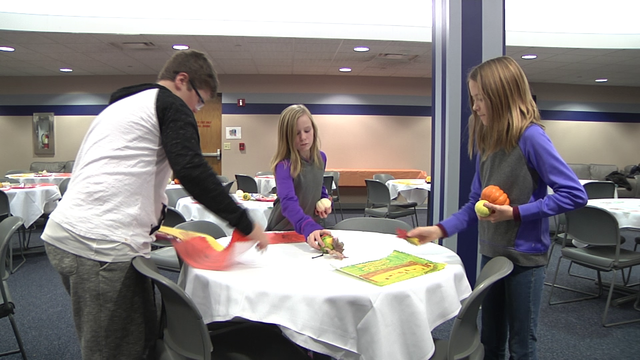 Volunteers in Dickinson deliver some home cooking for Thanksgiving