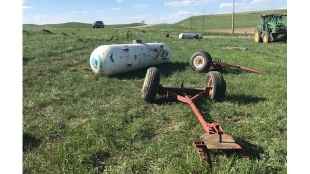 Caution: Anhydrous tanks on N.D. highways